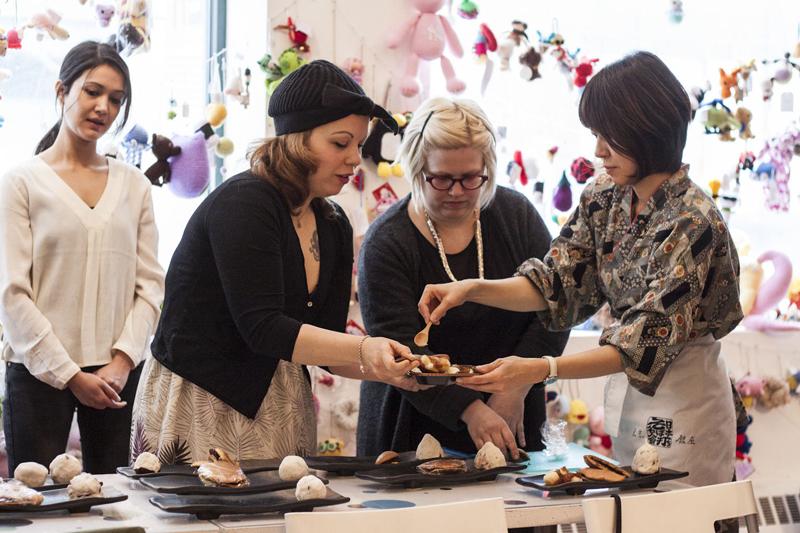 Asako Nonaka teaching students at RESOBOX's  Japanese Sweets Workshop