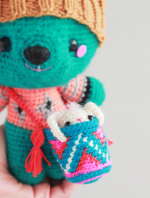 Amigurumi-bear-by-the-sun-and-the-turtle-detail
